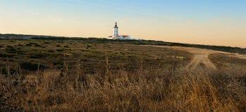老Espichel海角灯塔, Sesimbra,葡萄牙 免版税库存照片