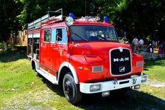 老firecar在村庄Crit,特兰西瓦尼亚 免版税图库摄影