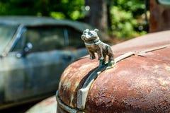 老Mack卡车敞篷装饰品 免版税图库摄影