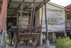 老minetown马和无盖货车 免版税库存照片