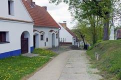 老moravian葡萄酒库的胡同, Dolni Bojanovice 免版税库存照片