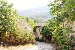 老Perithia,科孚岛 免版税库存图片