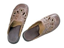 老s穿上鞋子妇女 库存图片