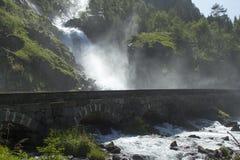 老stonebridge和瀑布 库存照片