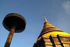 老stupa在泰国 库存图片