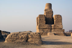 老stupa 免版税库存图片