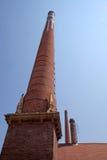 老Zsolnay工厂砖烟囱在新的Zsolnay中心在佩奇匈牙利 库存图片