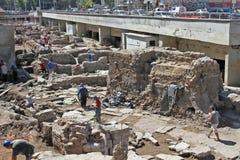 """考古学家在索非亚,保加利亚的中心开掘古老Serdika老废墟†""""2012年8月29日 古老老Serdica顶视图  免版税图库摄影"""