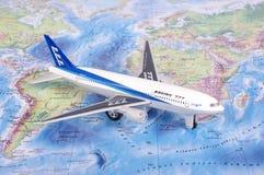 考纳斯,立陶宛- 2017年11月05日:在w的波音777模型 免版税图库摄影