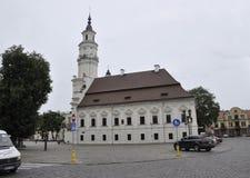 考纳斯8月21,2014镇考纳斯霍尔在立陶宛 库存照片