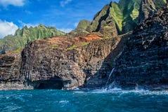 考艾岛美丽的Na Pai海岸  免版税库存照片