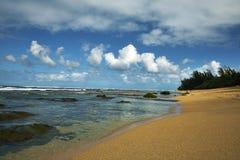 考艾岛,夏威夷挖洞海滩 图库摄影