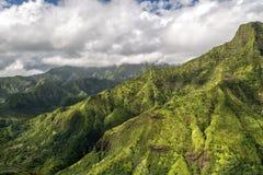 考艾岛绿化山鸟瞰图侏罗纪公园电影布景 免版税图库摄影
