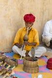 耍蛇者,从印度,旅行场面的人们 免版税库存照片