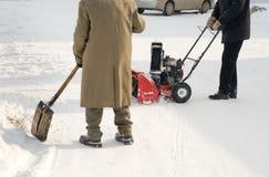 耕犁被推进的自雪 库存图片