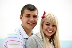 耦合愉快的年轻人 库存照片