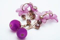 耳环紫色 库存图片