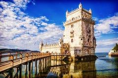 贝耳m塔 在一个海岛上的被加强的大厦在河Ta 免版税库存图片