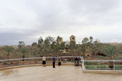 耶利哥,以色列 - 2月16日 2017年 圣约翰的教会的耶稣基督景色洗礼的地方  图库摄影