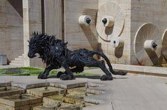 耶烈万,亚美尼亚, 2013年9月, 14日 亚美尼亚场面:都市scu 免版税库存图片