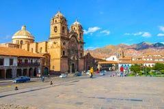 耶稣公司的教会Plaza的de阿玛斯在库斯科省,秘鲁 免版税库存图片