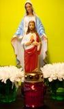 耶稣和花雕象  免版税库存照片