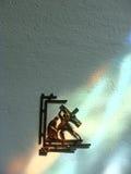 耶稣在墙壁上的发怒雕象死了 免版税图库摄影