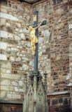 耶稣基督在十字架上钉死在圣皮特圣徒・彼得和保罗附近大教堂的  库存图片