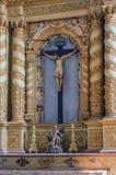 耶稣基督在十字架上钉死古色古香的雕象  图库摄影