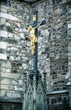 耶稣基督在十字架上钉死在圣皮特圣徒・彼得和保罗附近大教堂的  免版税图库摄影