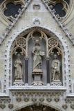 耶稣基督由圣徒斯蒂芬围拢了国王和拉迪斯劳斯 免版税库存照片