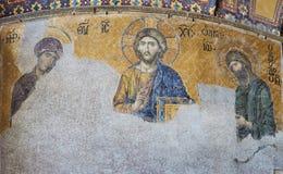 耶稣基督13世纪Deesis马赛克由圣索非亚大教堂寺庙的圣母玛丽亚和圣若翰洗者侧了  免版税库存图片