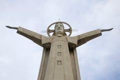 耶稣基督30米雕塑登上的Nyo 头顿,越南 免版税库存照片