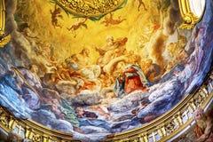 耶稣壁画圆顶天花板圣玛丽亚马达莱纳半岛教会罗马Ita 免版税图库摄影