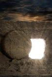 耶稣被打开的坟茔  免版税库存照片