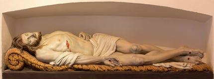 耶稣雕象坟茔的在Onze辛迪里夫Vrouw VA n-Hanswijkbasiliek教会里。 库存图片