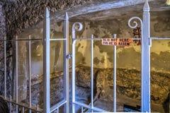 耶路撒冷以色列2017年9月15日 耶稣坟茔的特写镜头在圣洁坟墓的庭院里在Th能现在被参观 库存照片