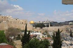 耶路撒冷全景有岩石和圣殿山的圆顶的从橄榄山,耶路撒冷 库存图片