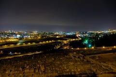 耶路撒冷在晚上,橄榄山,中东全景  图库摄影
