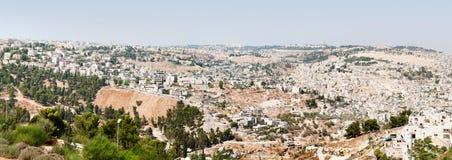 耶路撒冷老和新的市全景  免版税图库摄影