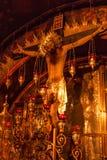 耶路撒冷,以色列-大约2011年11月:在十字架上钉死的法坛 库存照片