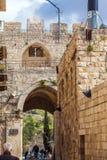 耶路撒冷,以色列- 2013年2月16日:走在Lio附近的游人 图库摄影