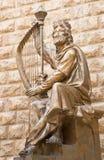 耶路撒冷-大卫国王雕塑致力以色列人由大卫Palombo (1920年- 1966) befort戴维兹国王坟茔 免版税库存图片