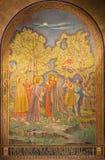 耶路撒冷-耶稣背叛的马赛克在Gethsemane庭院里在所有Nationsby彼得罗D'Achiardi教会里(1922年- 1924) 免版税库存图片