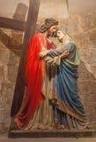 耶路撒冷-耶稣集会他的从结尾的母亲雕塑的19 分 由astis Albouy在我们的夫人Of The Spasm亚美尼亚教会里  库存图片