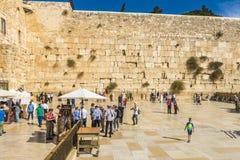 耶路撒冷 著名犹太寺庙是哭泣的墙壁在老镇 免版税库存照片