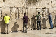 耶路撒冷 著名犹太寺庙是哭泣的墙壁在老镇 库存照片
