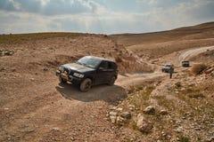 耶路撒冷- 10 04 2017年:在艰苦跋涉的吉普车,在以色列m 免版税图库摄影