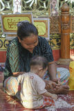 职业妇女和孩子 免版税库存图片