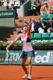 职业网球球员西尔维娅单一Espinosa行动的西班牙在她的在罗兰・加洛斯的第二次回合比赛期间 免版税库存图片
